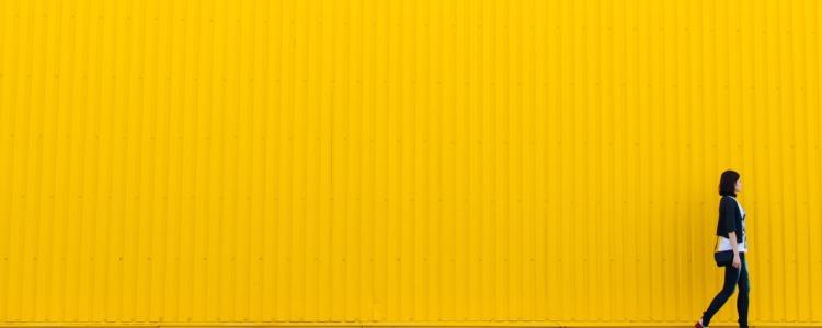 walking lady yellow